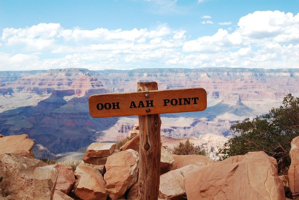 Ooh-Aah Point  on the South Kaibab Trail - Hiking in Grand Canyon
