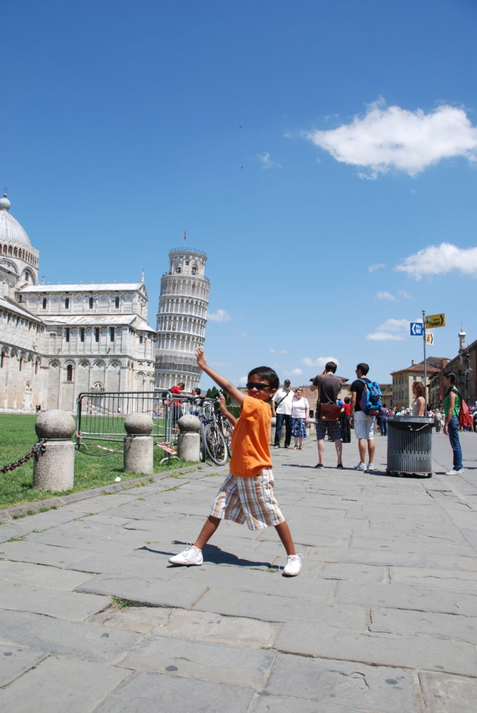 Goofy Photos in Leaning Tower of Pisa