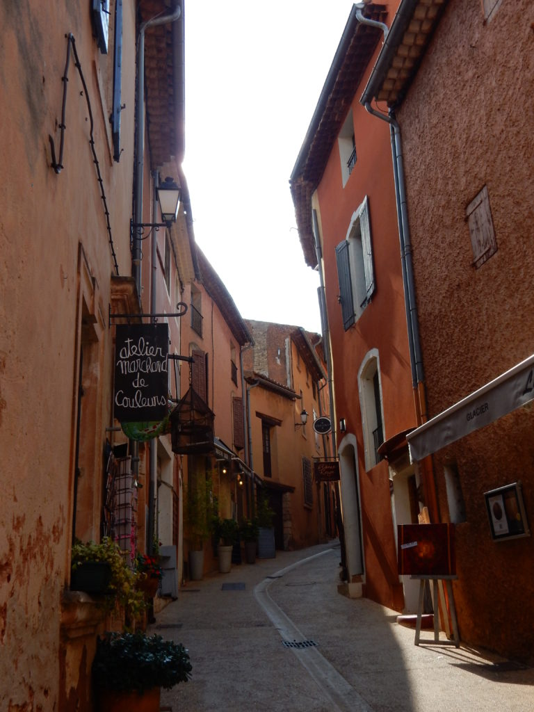 A day in Roussillon, the ochre-red village of Provence, Southern France