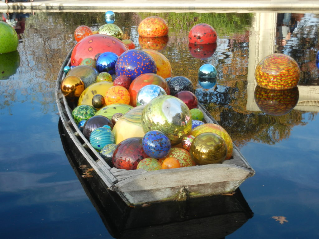 Chihuly Glass works at the Dallas Arboretum | Outside Suburbia