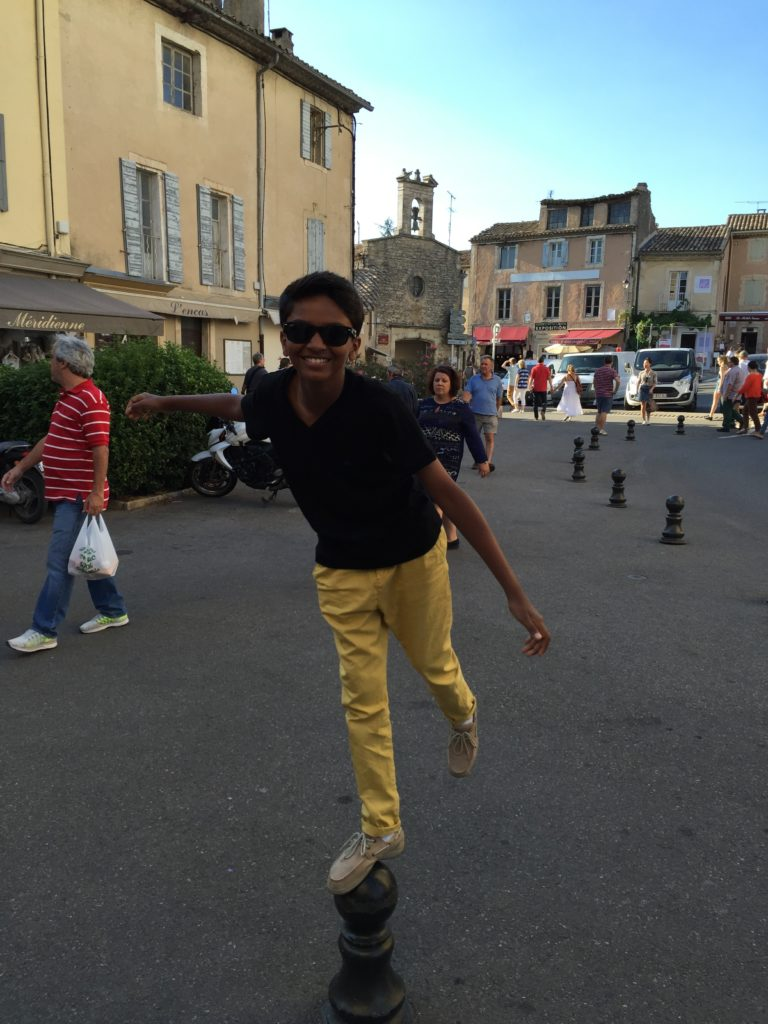 balancing act in Gordes