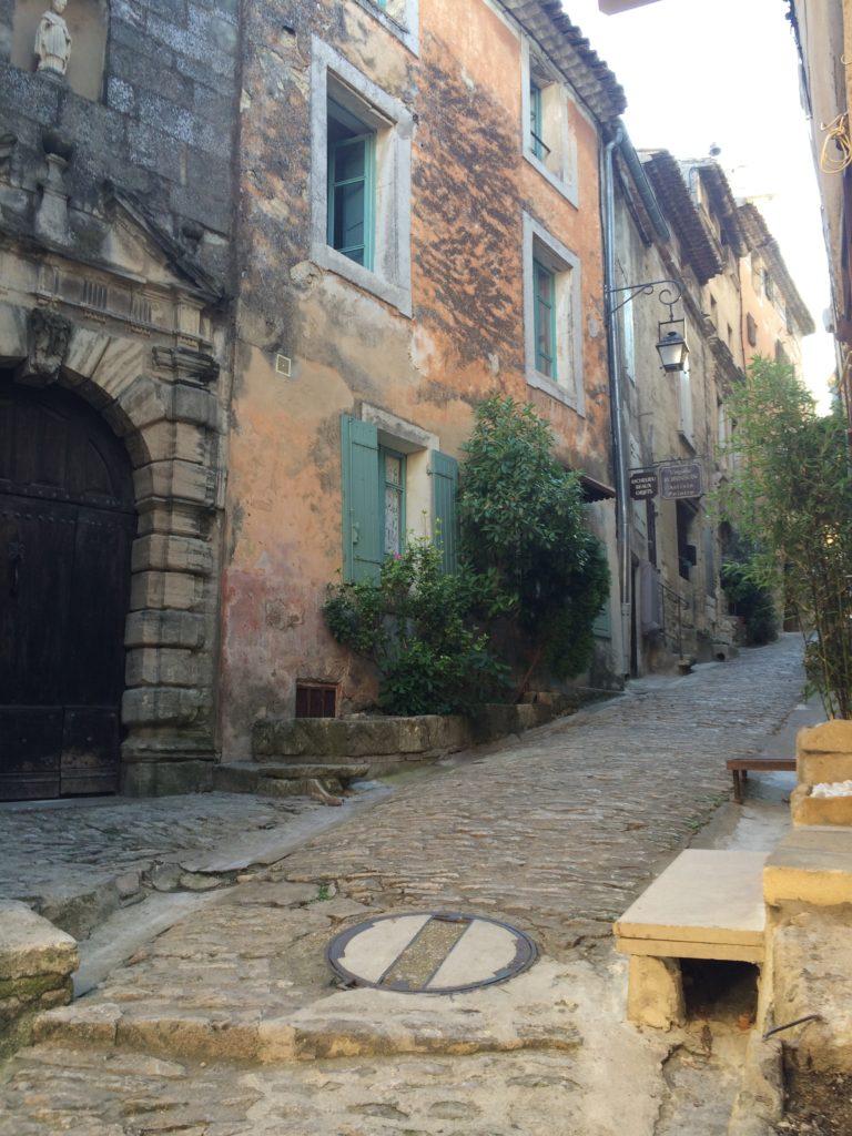 Gordes streets