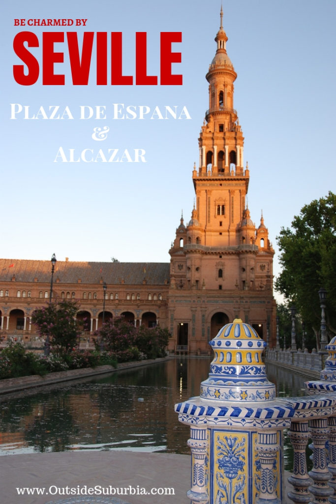 Be charmend by Seville, a guide to visitin the Plaza de Espana, Alcazar and important sites in this beautiful town of Southern Spain #Spain #Andalucia #Seville #OutsideSuburbia #SpainwithKids #SouthernSpain