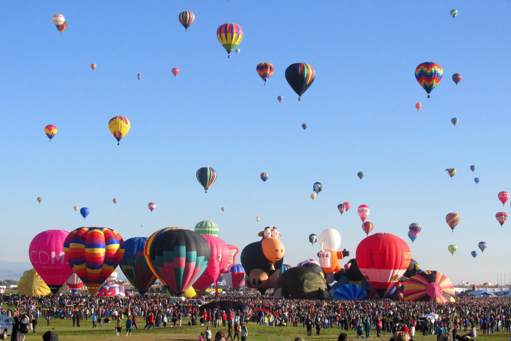 OutsideSuburbia Hot air balloon rides - Albuquerque