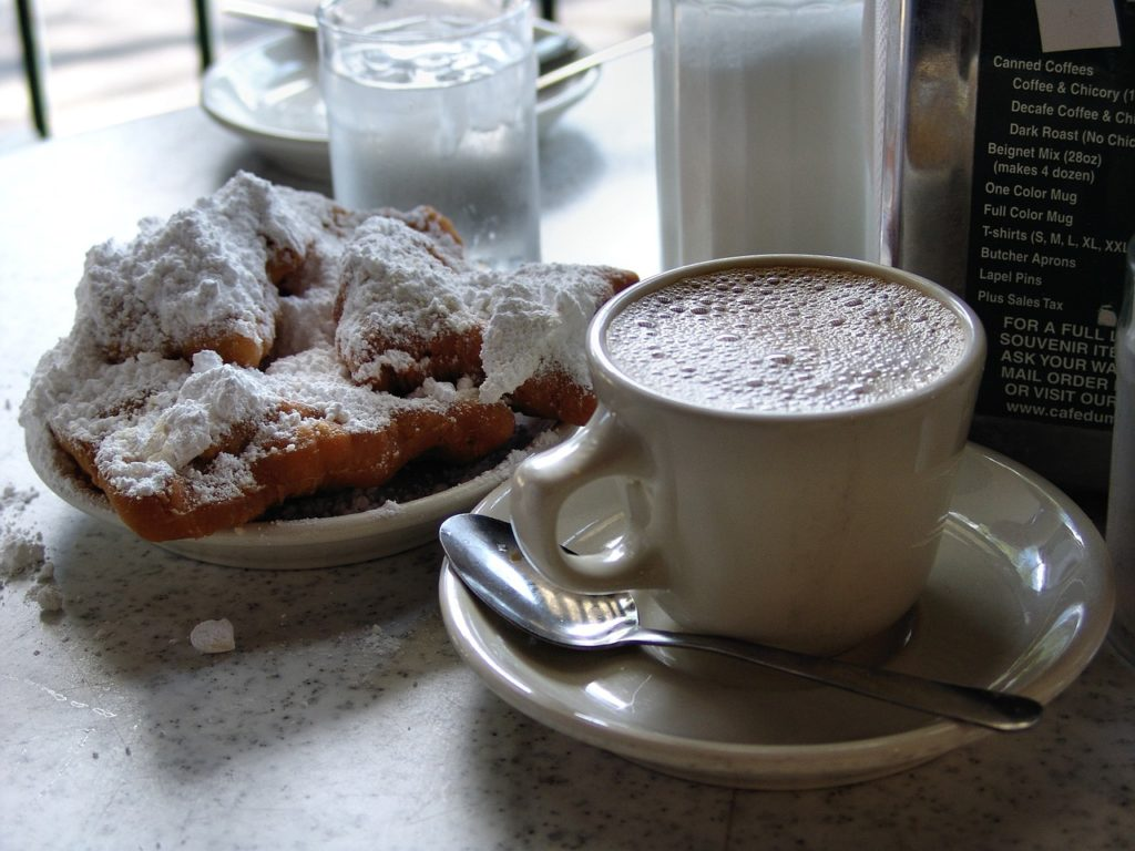 Cafe Du Monde - Girls Getaway weekend in New Orleans