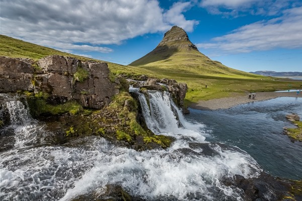 Kirkjufell - Iceland Itinerary for seeing the best of the island in a week - OutsideSuburbia.com