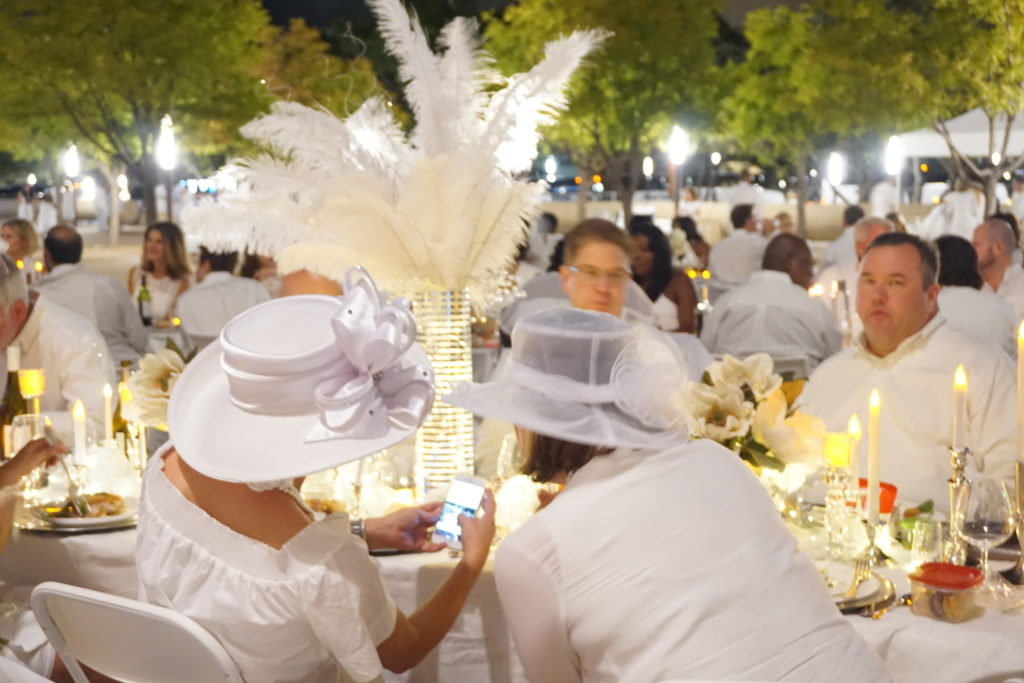 What to wear - Diner en Blanc Dallas - Photo by Outside Suburbia