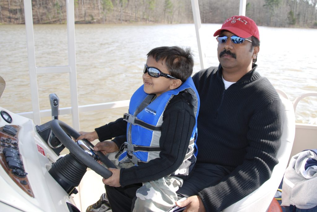 Boat Rentals - Things to do in Beavers Bend State Park, Photo by Outside Suburbia