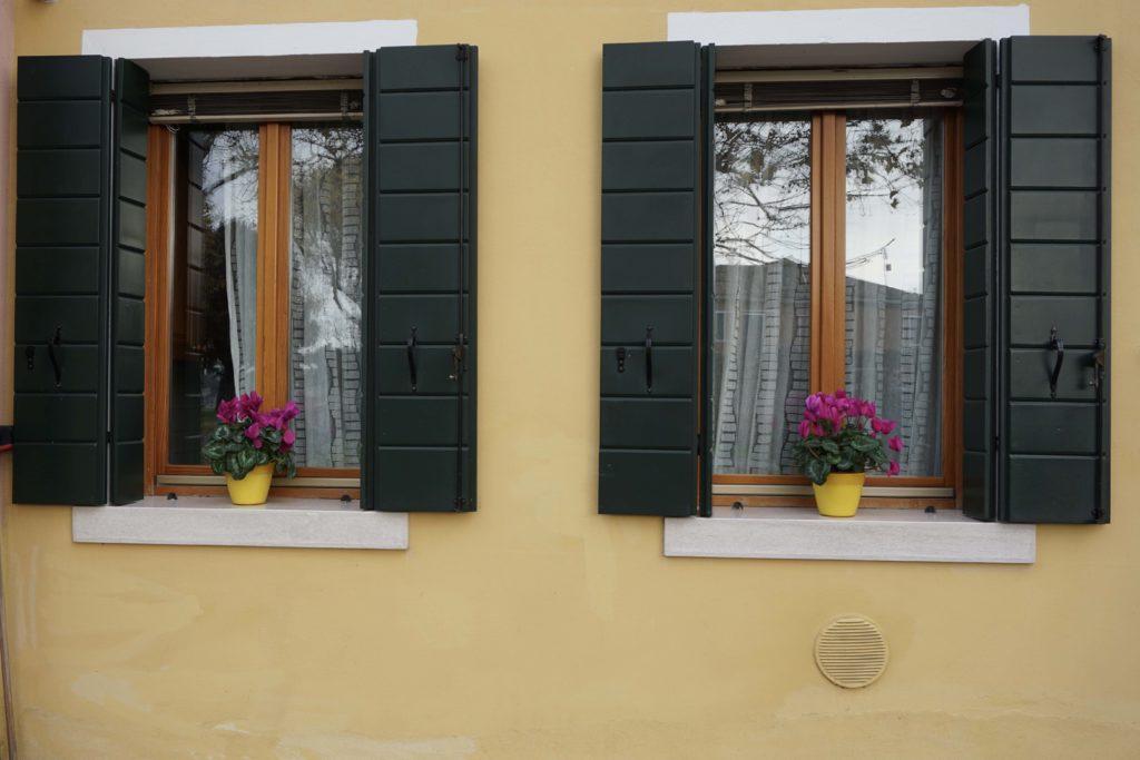 Burano Italys Most Colorful Town - OutsideSuburbia.com