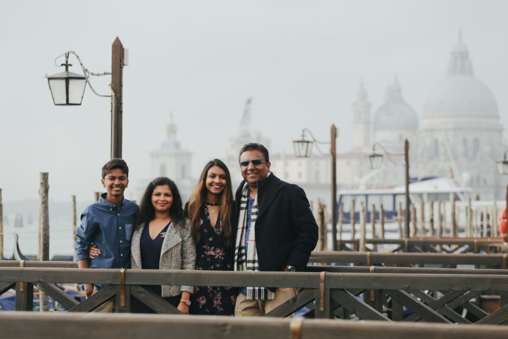 Flytographer Family Photo shoot in Venice - Outside Suburbia