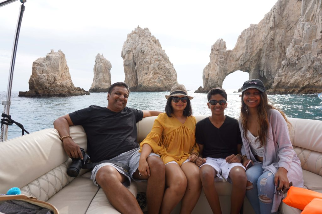 The famous Arch of Los Cabos!