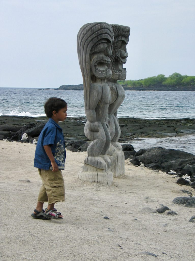 Puʻuhonua o Honaunau - Best things to do in The Big Island of Hawaii - Photo by Outside Suburbia