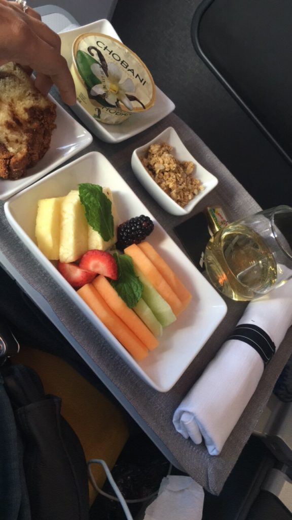 Food in Premium Economy in American Airlines #AmericanAirlines #Review #PremiumEconomy
