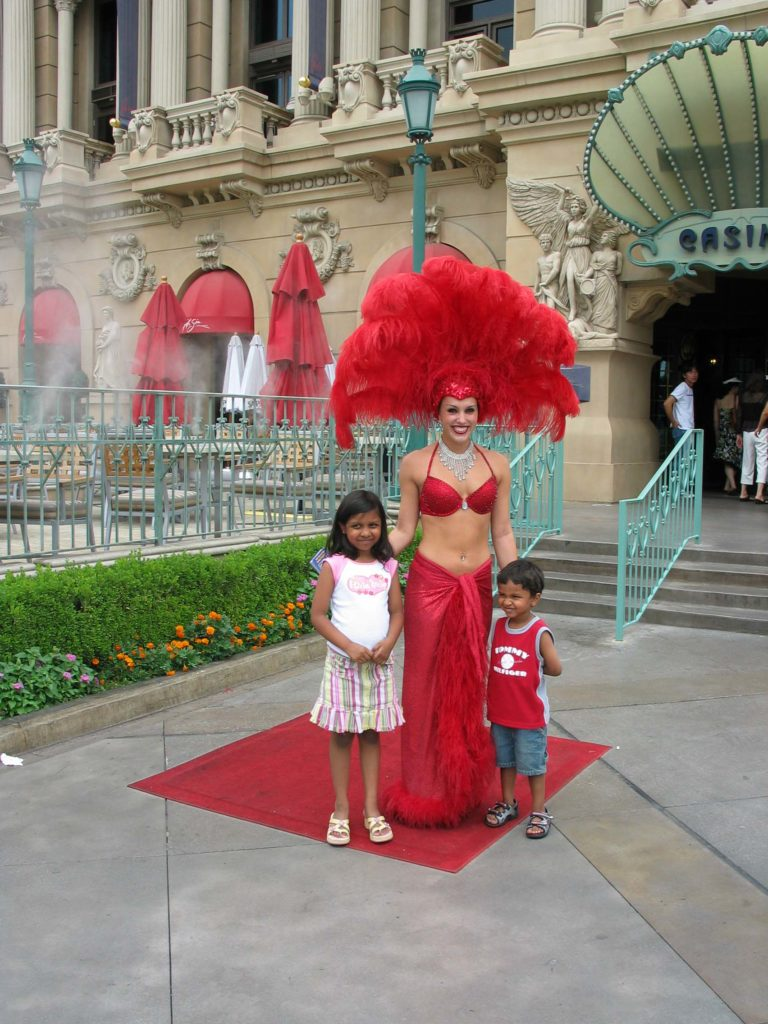 Photo ops everywhere on the Vegas strip | Las Vegas with Kids | Outside Suburbia