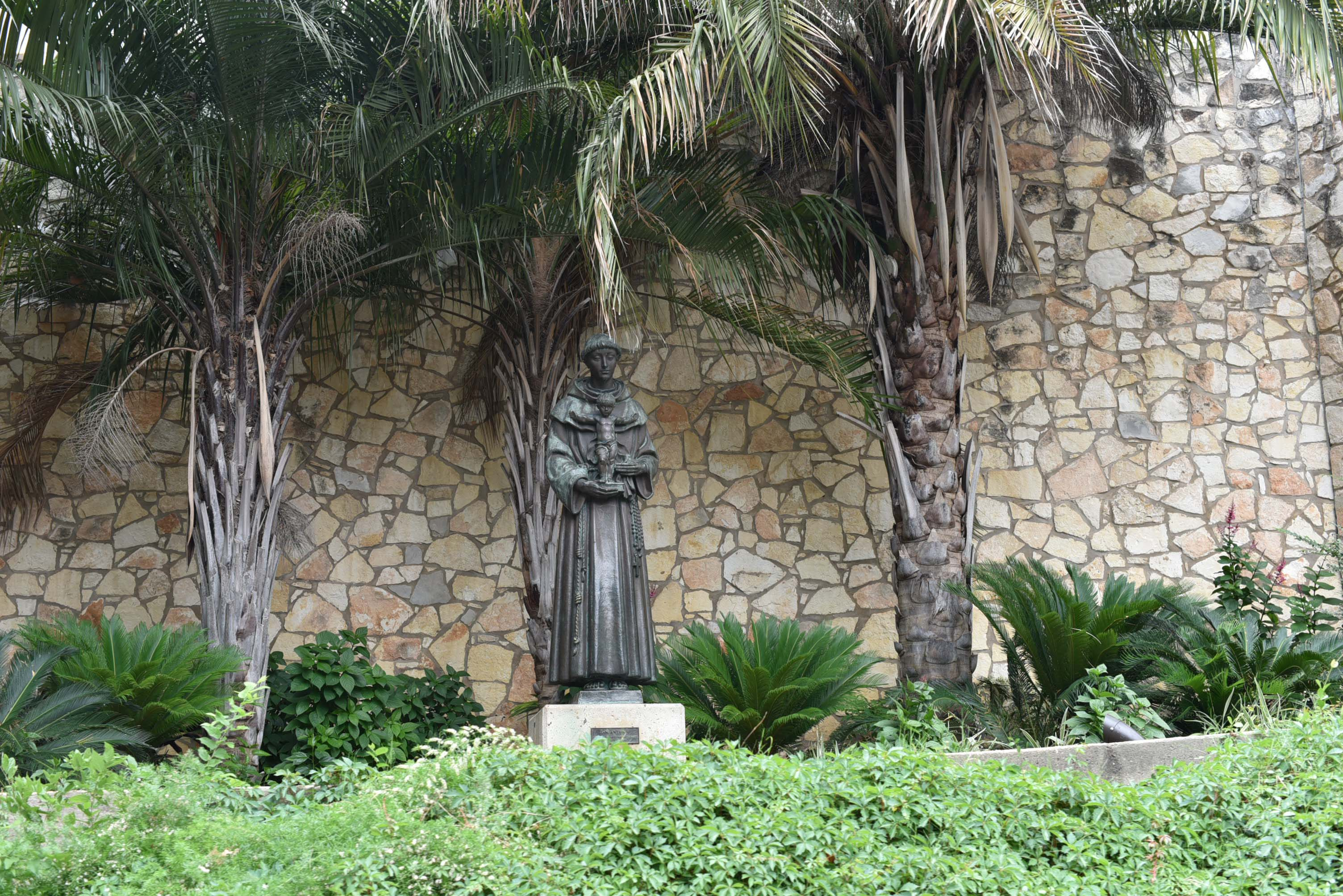 St.Anthony of Padua statue in San Antonio : See the post for planning a weekend trip to San Antonio