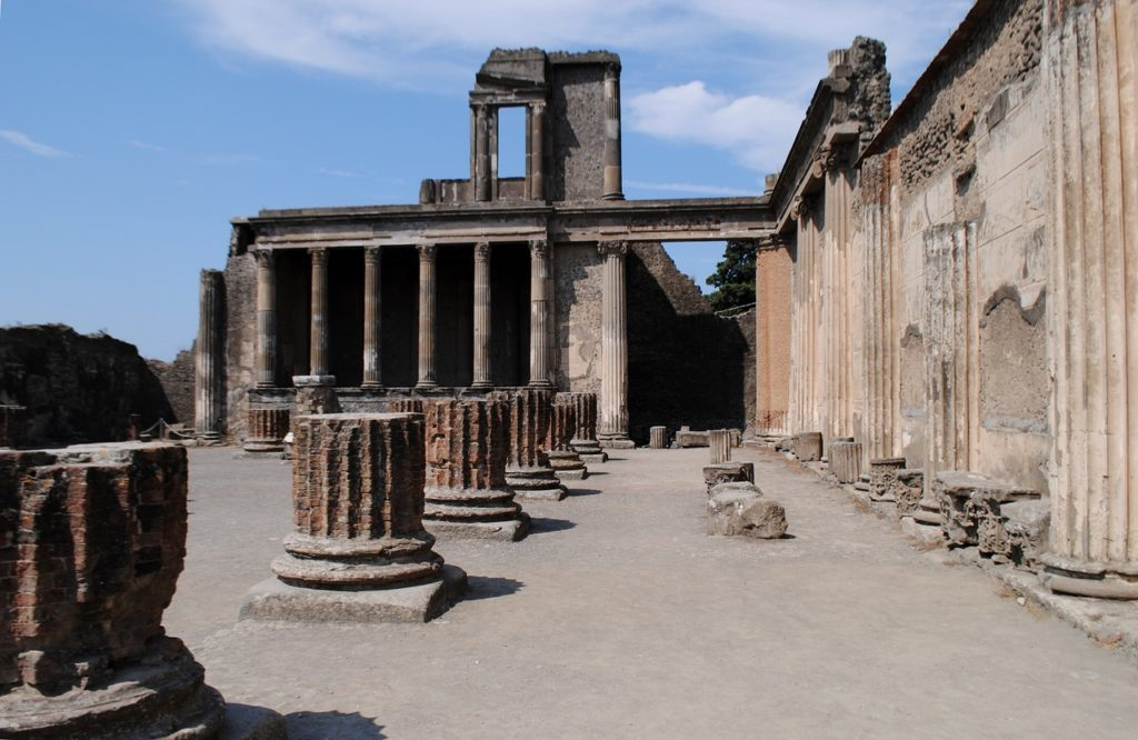 Visiting Pompeii with Kids - OutsideSuburbia.com
