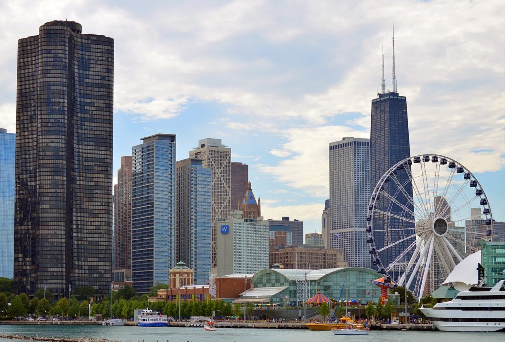 Navy Pier - Things to do in Chicago on a girls' weekend - Outside Suburbia
