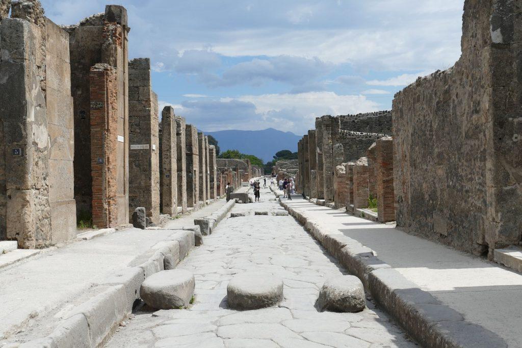 Vesuvius and Pompeii tours