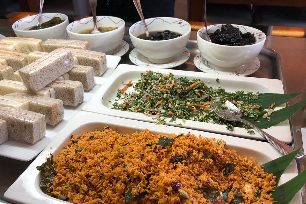 Food at Serendib Lounge at Bandaranaike International Airport - Photo by Outside Suburbia