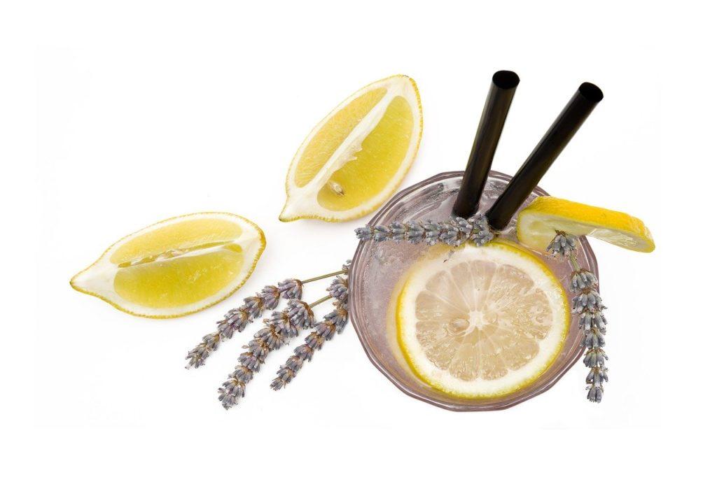 Lavender Lemonade Recipe - outsidesuburbia.com