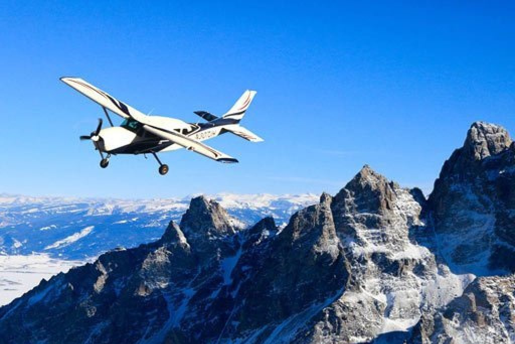 Scenic Flight- Things to do in Jackson Hole, Wyoming in Summer and Fall - OutsideSuburbia.com