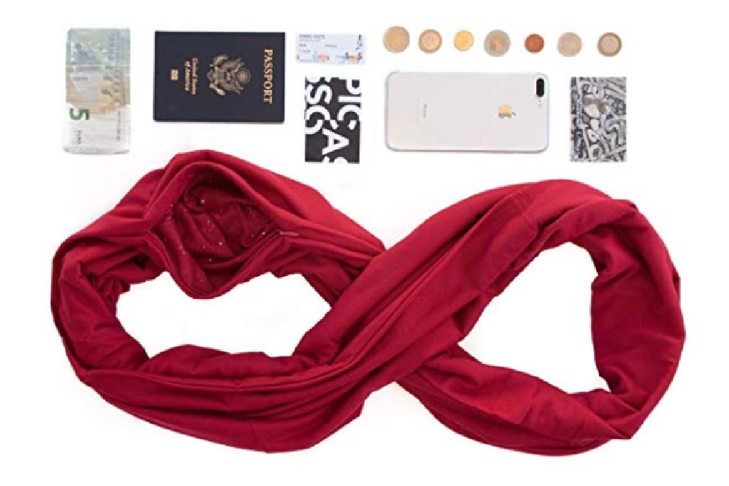 Scarf with secret pockets - 15 best gifts for travelers - OutsideSuburbia.com