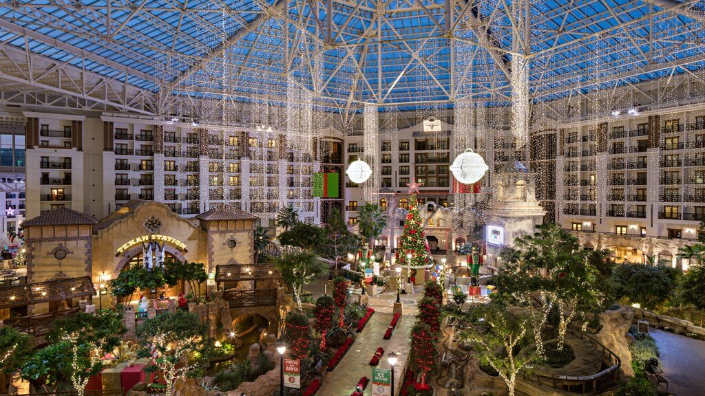Best Hotels with Christmas Decorations in Dallas Fort Worth | Outside Suburbia
