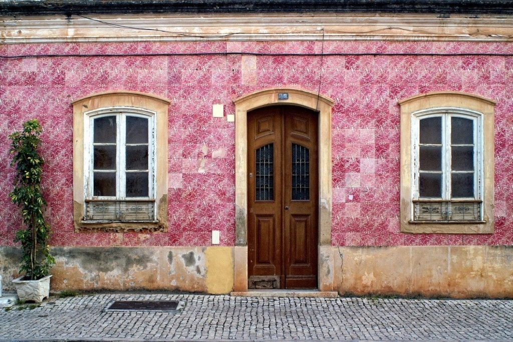 Beautiful places in Portugal you need to visit - OutsideSuburbia.com