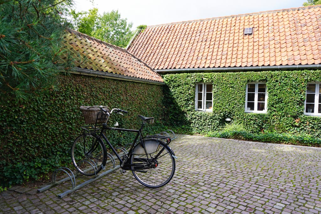 Virtual Museum Walk at Louisiana Museum of Modern Art in Denmark - outsidesuburbia.com