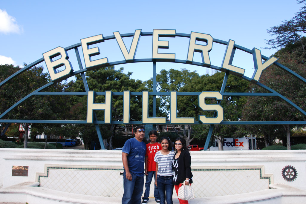 Beverly Hills 90210, a drive around celebrity homes in Beverly hills and movie locations
