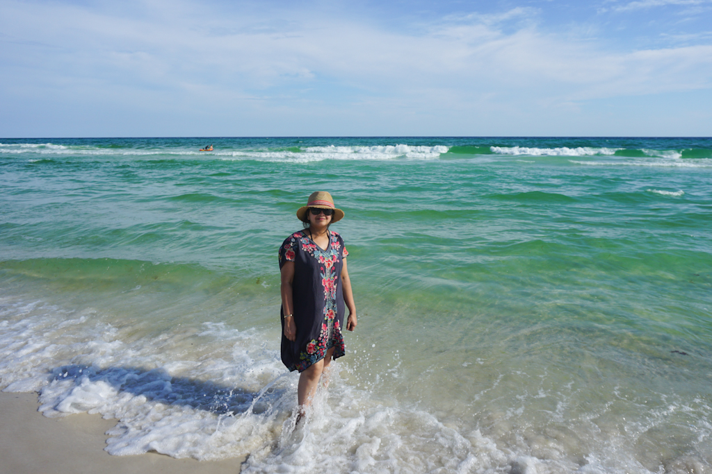 Emerald Coast in Florida - Packing Tips for a Beach Vacation - Outside Suburbia
