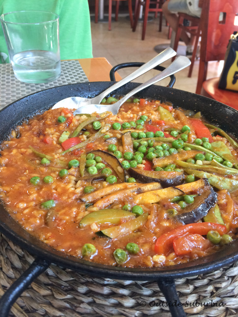 Vegetarian Paella - 10 Foods from Spain you MUST try | Outside Suburbia