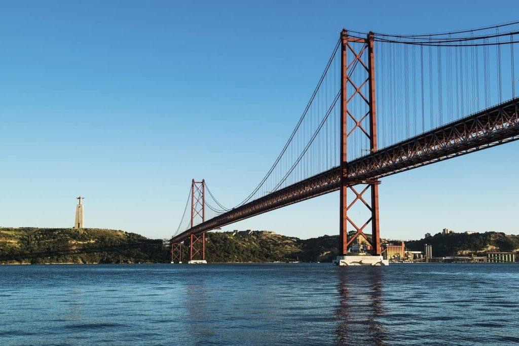 Abril Bridge, Lisbon