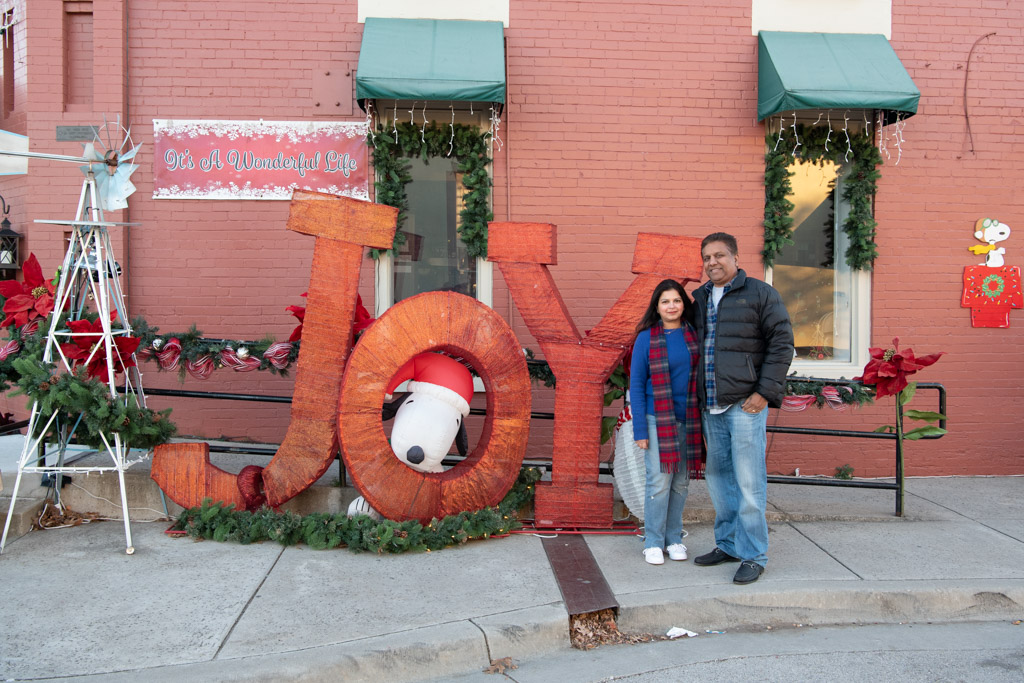 Christmas in Grapevine Texas | Outside Suburbia