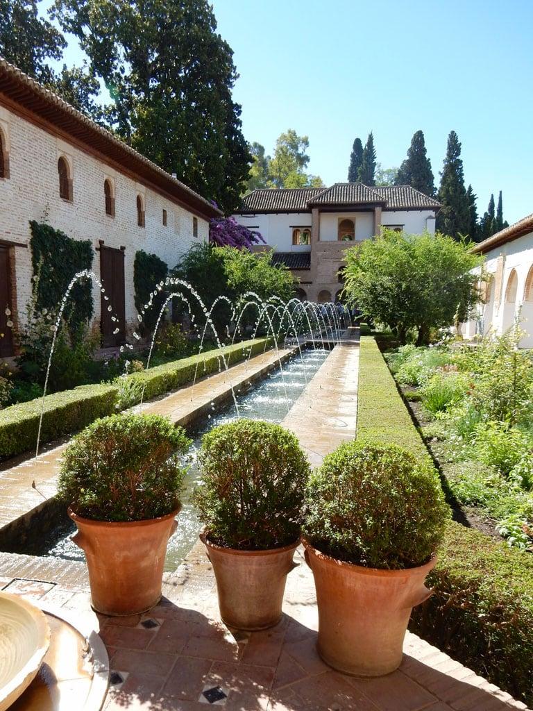 Palacio de Generalife - Generalife gardens, Alhmabra | Outside Suburbia