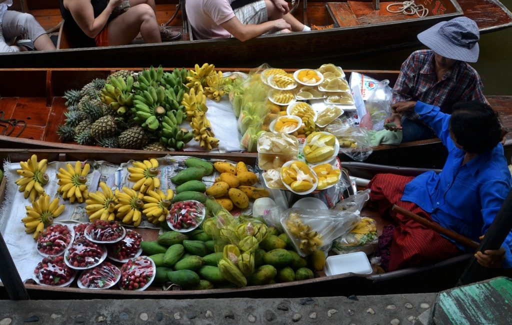 Best Floating Markets near Bangkok, Thailand | Outside Suburbia