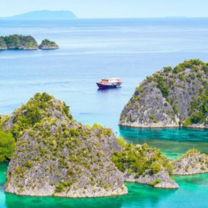 Cruise: Most beautiful islands in Indonesia | Outside Suburbia