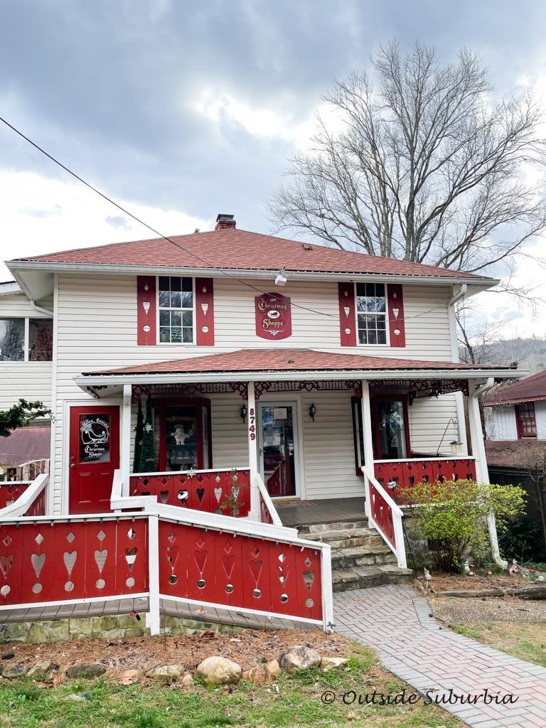Cute shops in Helen, GA | Outside Suburbia