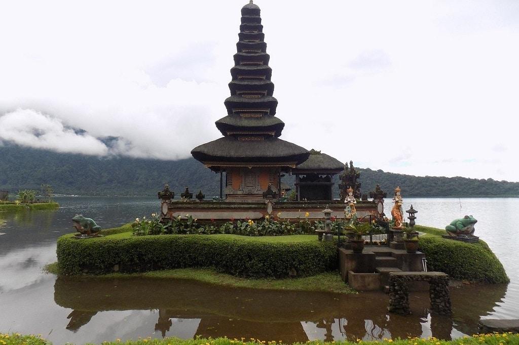 Pura Ulun Danu Bratan, Shiva temple in Bali
