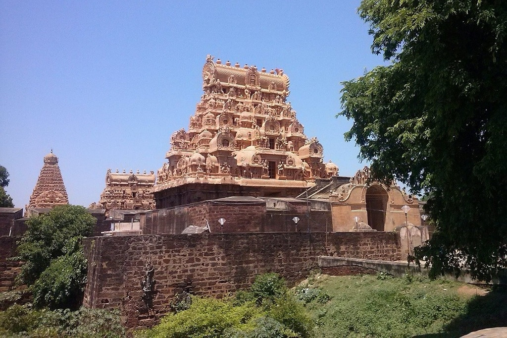 Thanjavur Brihadeeswara temple (Rajarajeswaram or Peruvudaiyār Kōvil)