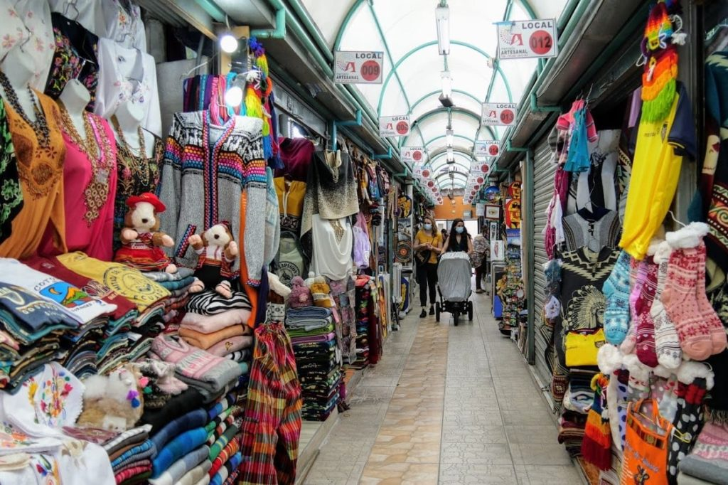 Shopping for local, traditional crafts is a must in Ecuador | Outside Suburbia