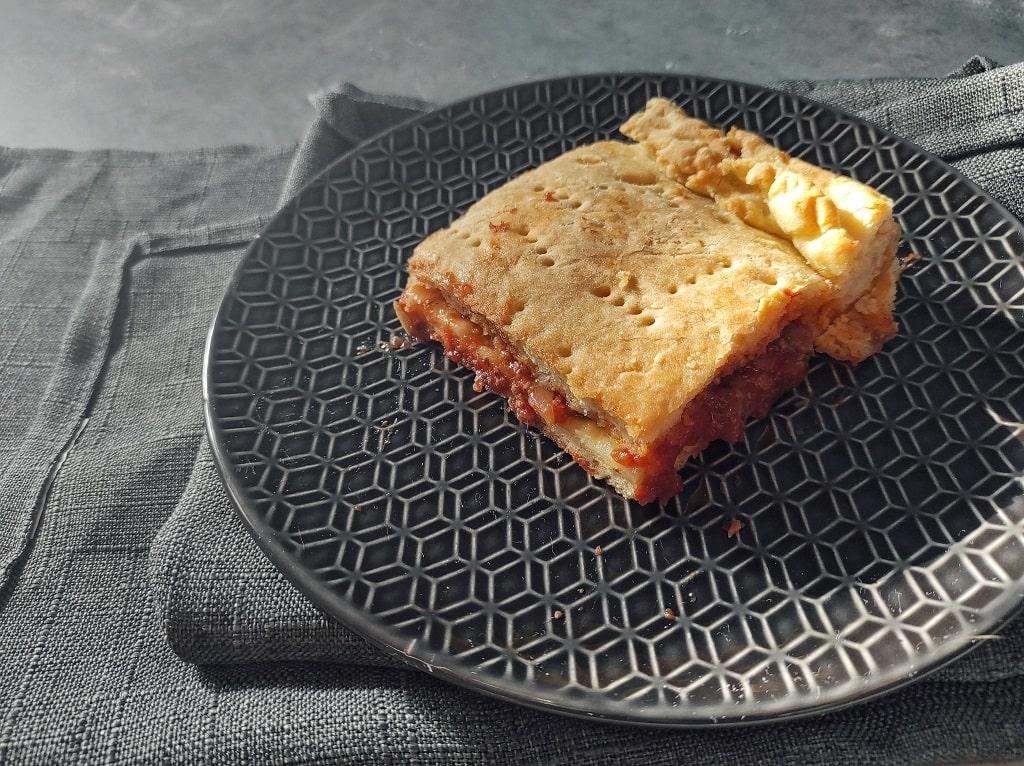 Food to try in the Balkans: Komiška pogača