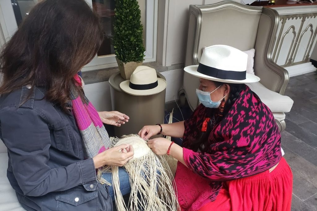 """Making """"Panama hats"""" from toquilla reeds in Ecuador 
