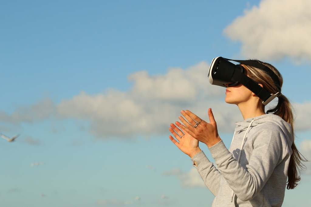 6 Trends Shaping the Future of Virtual Reality | Outside Suburbia