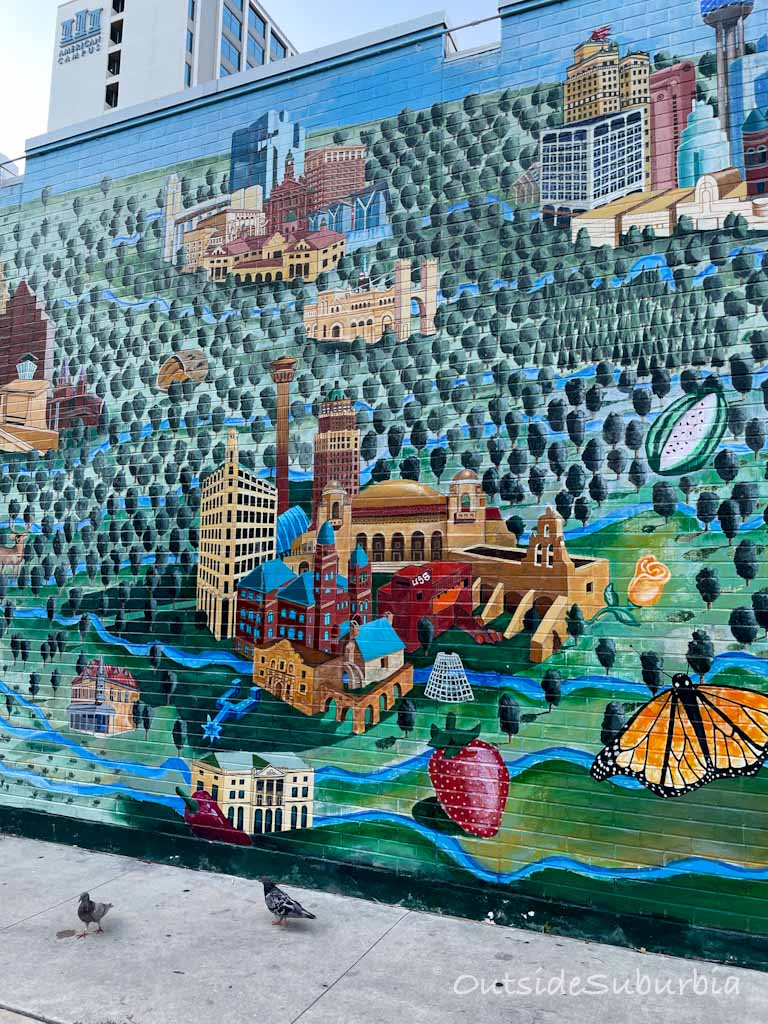 ALL ACROSS TEXAS   Iconic Murals in Austin   Outside Suburbia